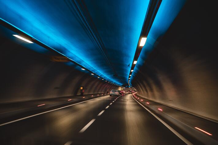 blur-cars-commuting-1253049